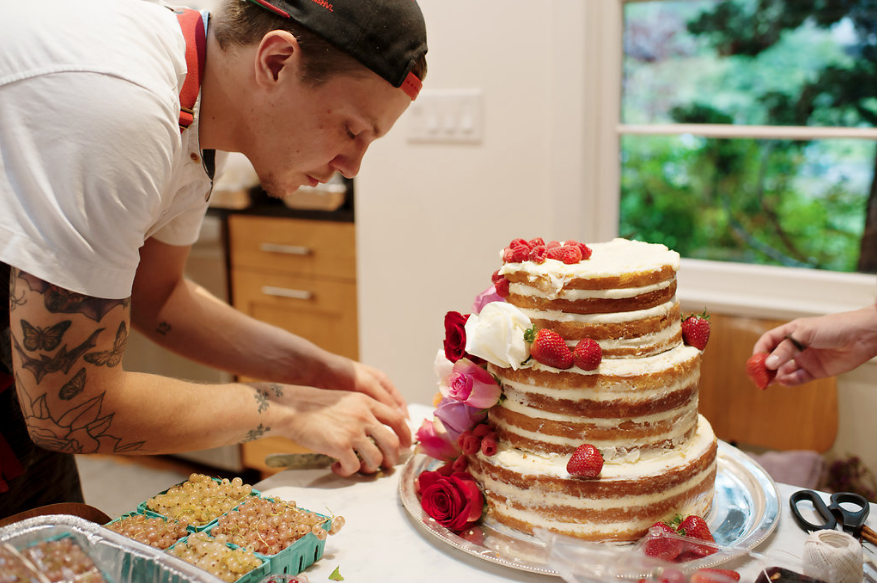 wedding_cake_decorating.png