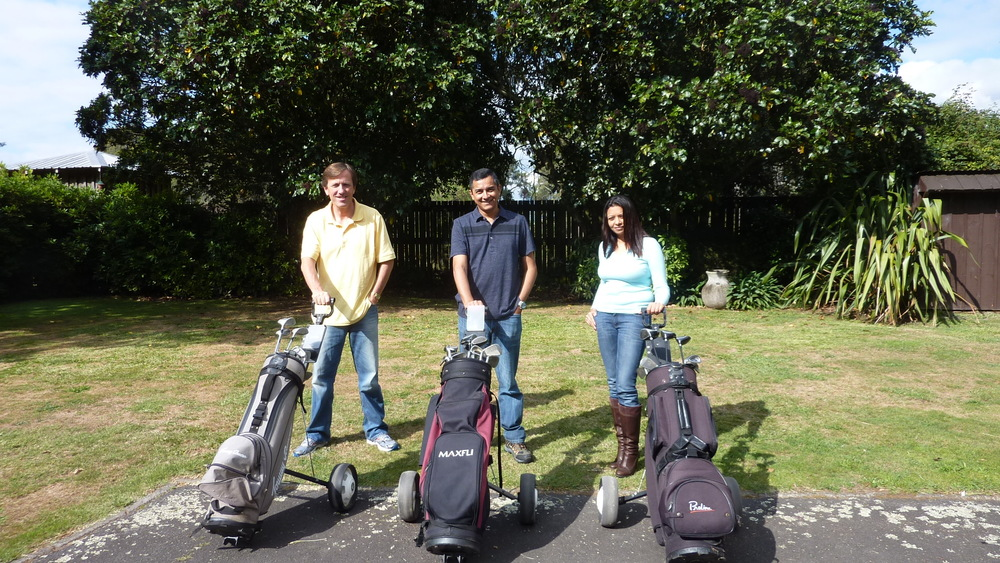 Golf Clubs avaialble for guest use at Mokoia Downs.JPG
