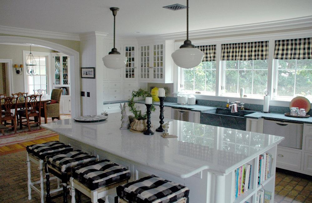 Kitchen #1 web.jpg