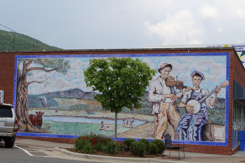 There is art everywhere in West Jefferson.  A mural on almost every building wall.