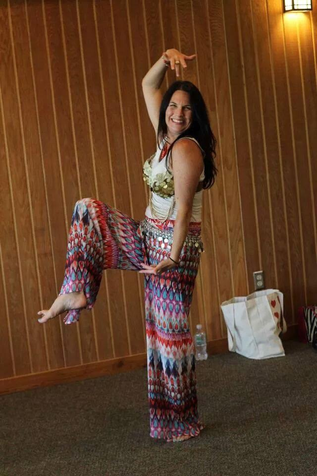 Sara Alvarado Belly dancing