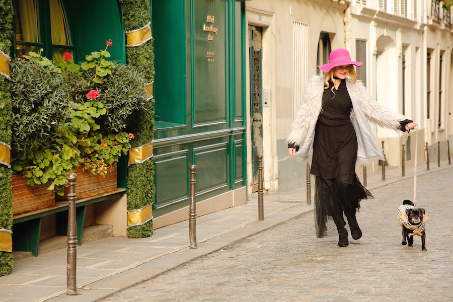 Kimberly Wilson Walking Pug in Paris