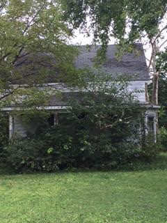 In 1860 at the age of 11, Grace Bedall wrote candidate Abraham Lincoln suggesting he grow a beard to increase his appeal to voters and he did.  She lived her adult life in this home, deteriorating over the last several decades, on the corner of Custer and 6th Street in Delphos, Kansas.