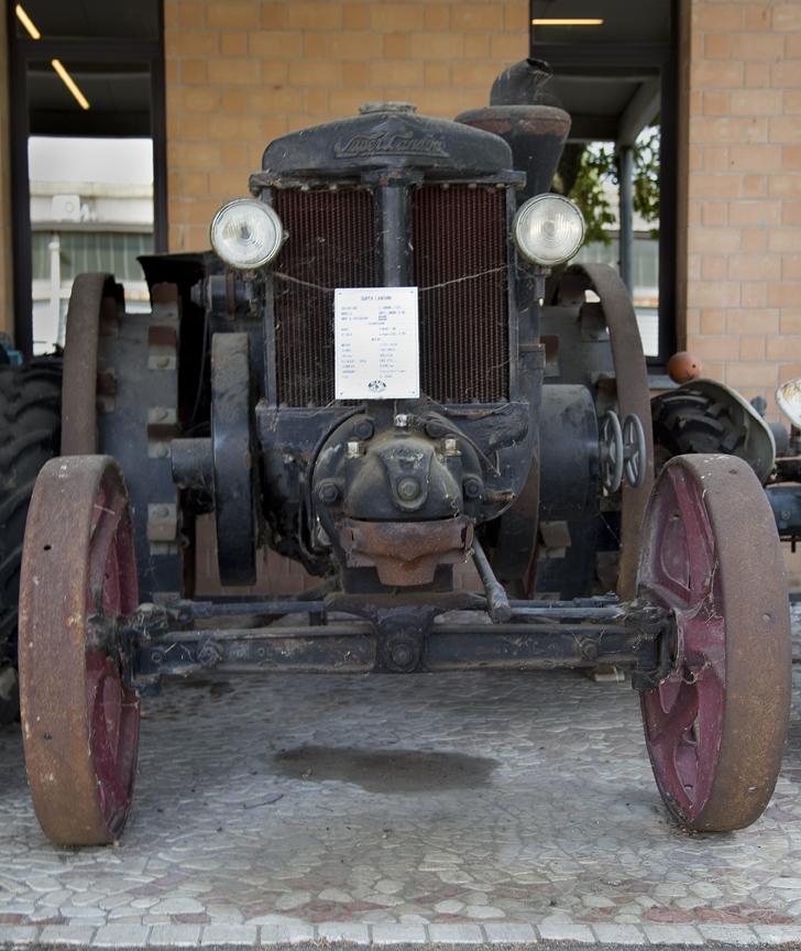 13-tractors5.jpg