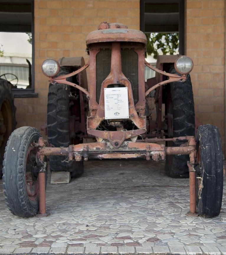 13-tractors4.jpg