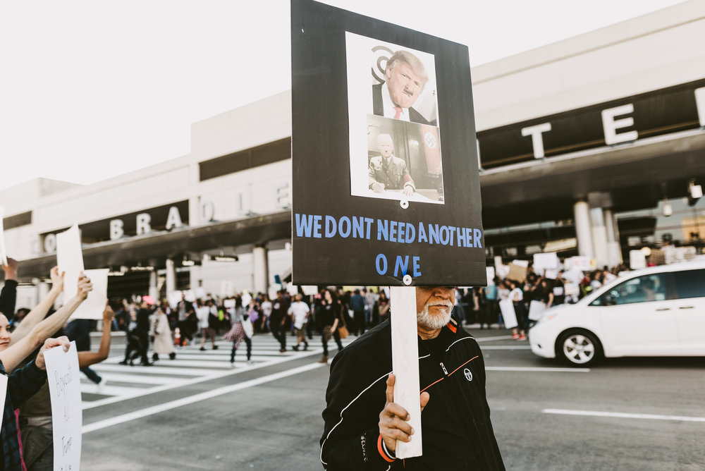 ©The Ryans Photography - LAX No Ban No Wall Protest-7.jpg