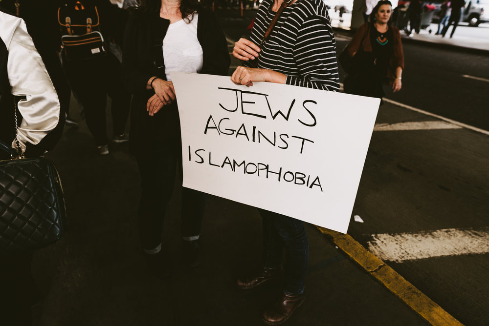 ©The Ryans Photography - LAX No Ban No Wall Protest-26.jpg