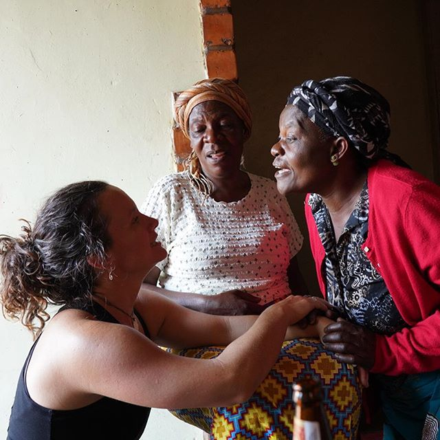 "@upsidedownchachi getting a Nyanja lesson from @refan aunties. ""Mwiri bwange - how are you?"" This will be important for making friends & having fun at the the 1st Zambian Deaf Leadership Summit in #zambia for GBCZambia.org #GBCZTeam"