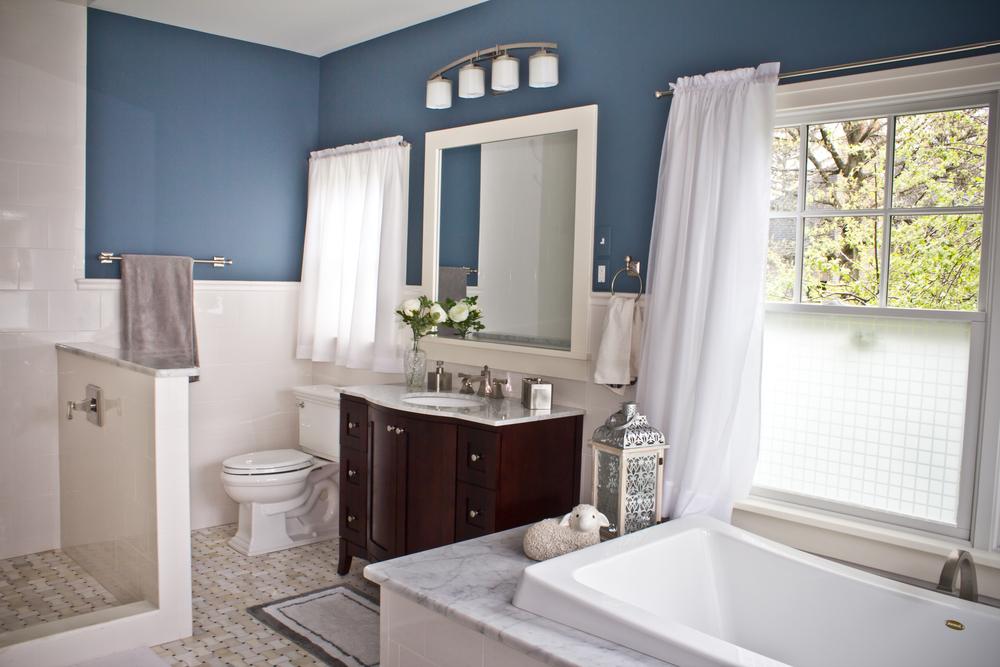 blue-master-bathroom-marble