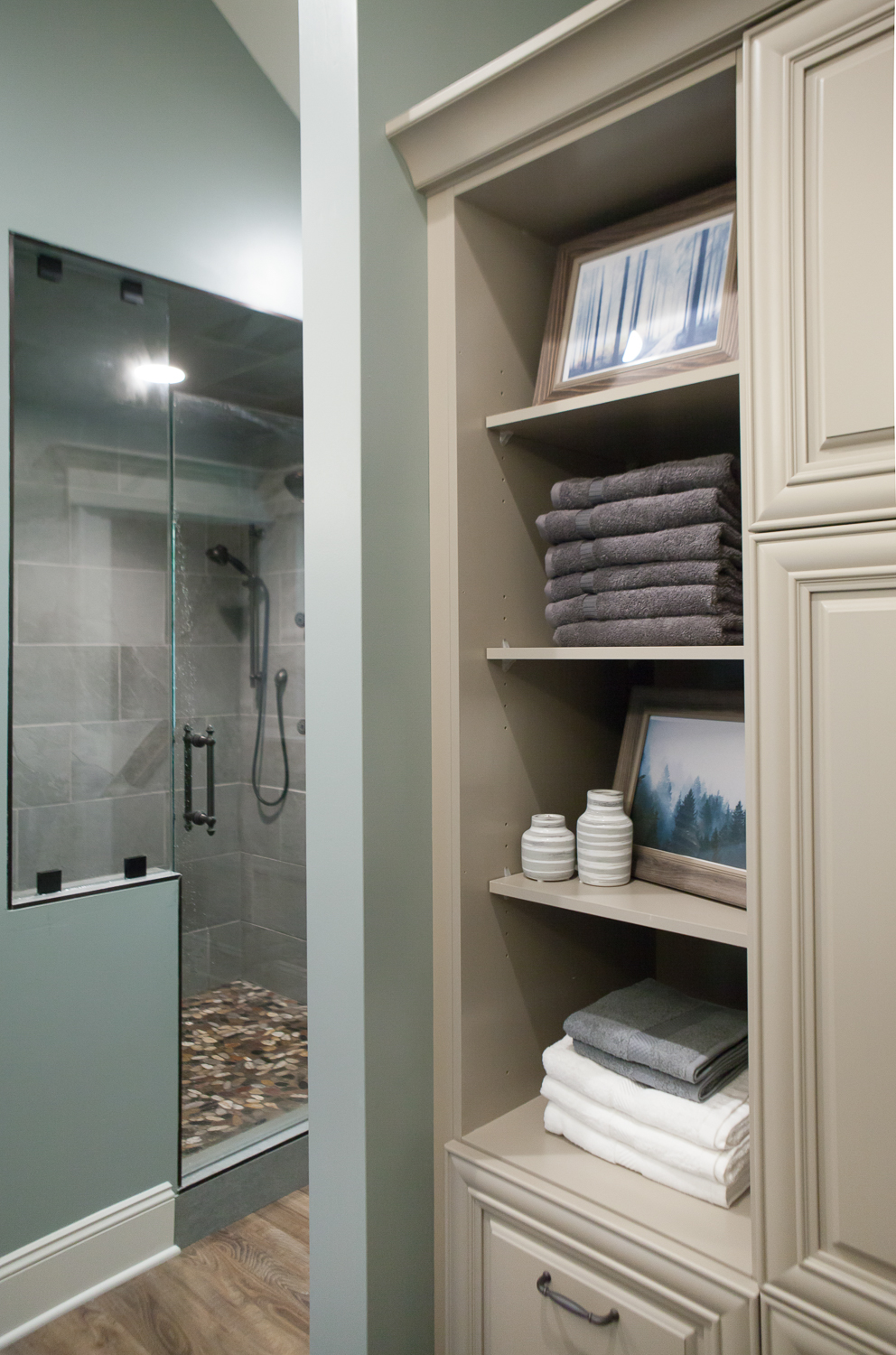 This bathroom has so much storage now!
