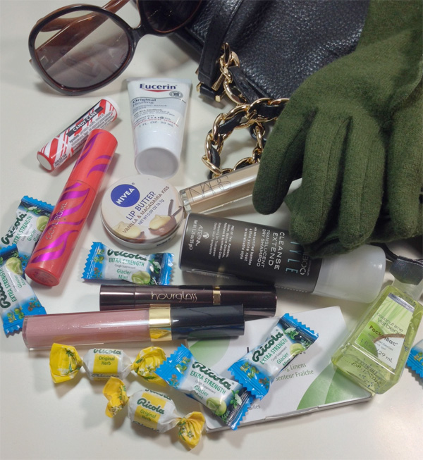 Winter Essentials in My Handbag