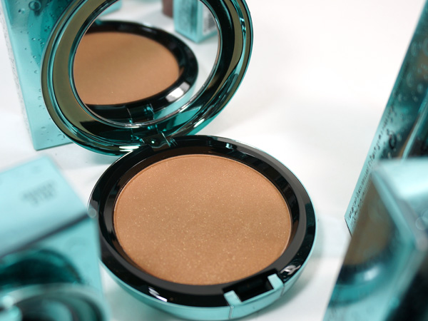 MAC Alluring Aquatic: Refined Golden Bronzer
