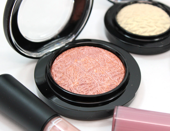 MAC Lightness of Being: MAC Mineralize Blush Uplifting