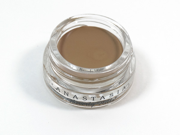 Anastasia Dipbrow Pomade in Blonde via @beautifulmakeup