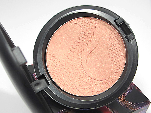 MAC Shell Pearl Beauty Powder