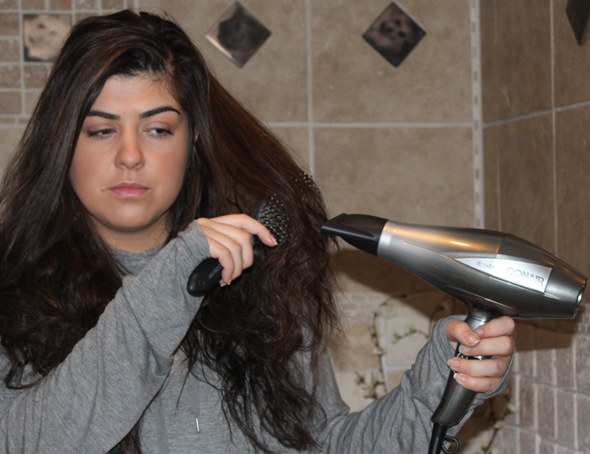 Styling with Infiniti Pro by Conair 3Q Styling Tool