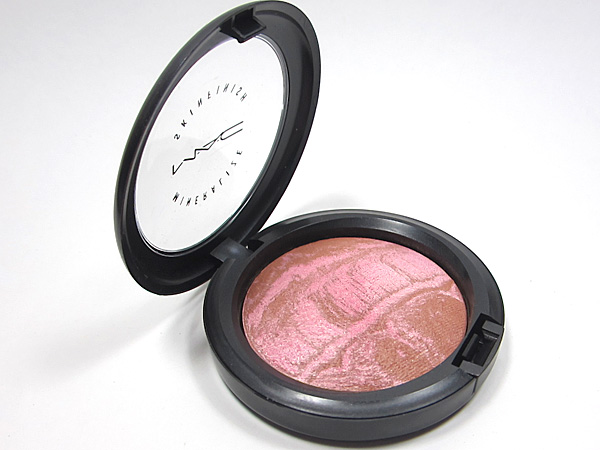 MAC Tropical Taboo: Mineralize Skinfinish Rio