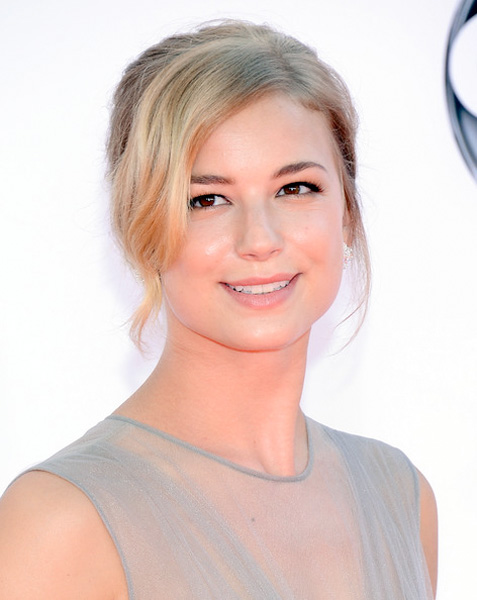 Emily VanCamp 2012 Emmy Awards