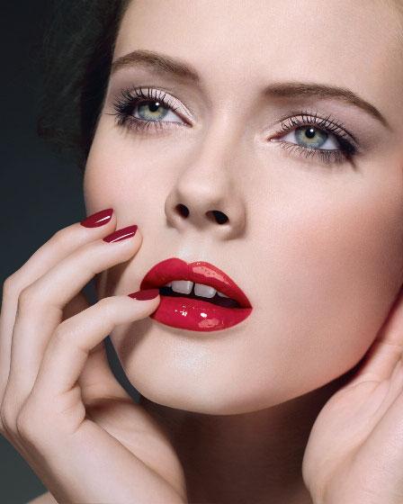 Осенний макияж: яркие губы и