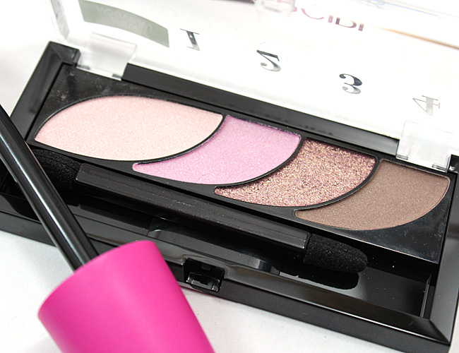 COVERGIRL Eye Shadow Quad in Blooming Blushes