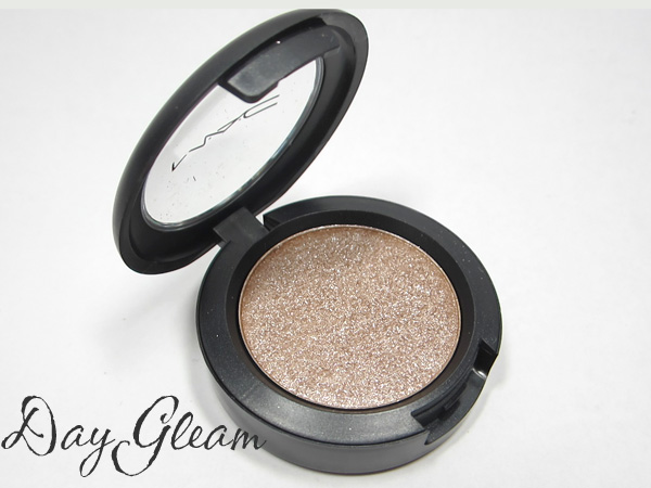 MAC Pressed Pigment Day Gleam