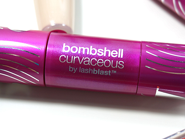 COVERGIRL Bombshell Curvaceous Mascara