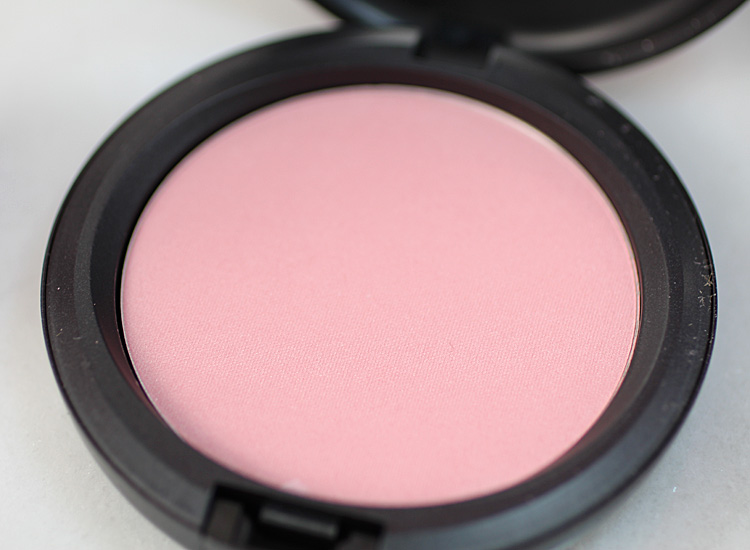 MAC Cosmetics Flamingo Park Collection: Pearl Blossom Beauty Powder