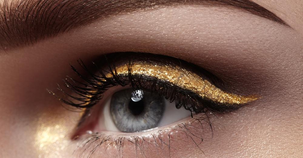 How to Create a Metallic Makeup Look with Gold Makeup