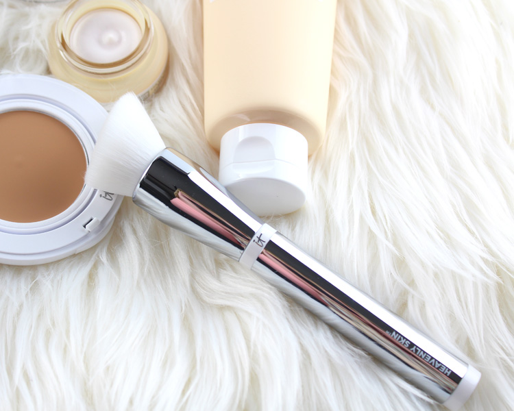Heavenly Skin Skin-Smoothing Complexion Brush