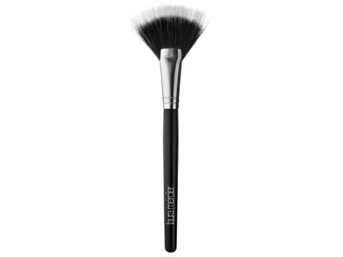 The Face Brushes You Need for a Flawless Makeup Look