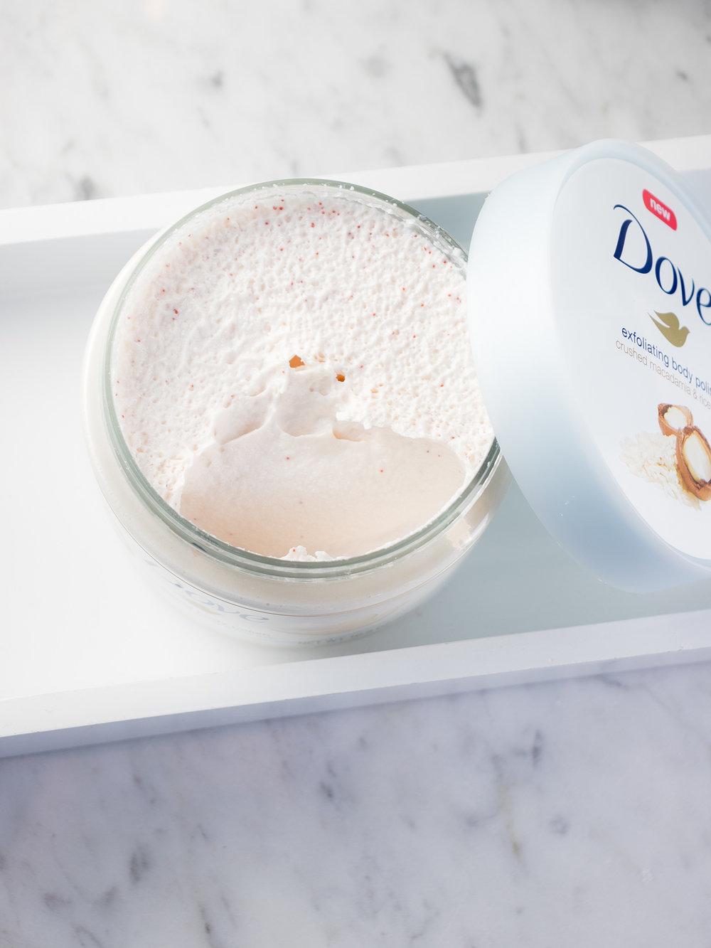 Dove Exfoliating Body Polish with Crushed Macadamia & Rice Milk