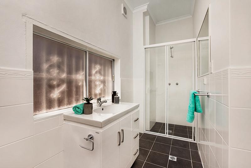 Middleton-Street-4-24- Petersham-Bathroom-Low.jpg