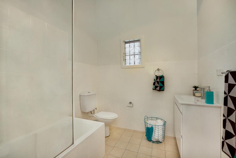 Middleton-St-1-24-Petersham-Bathroom.jpg