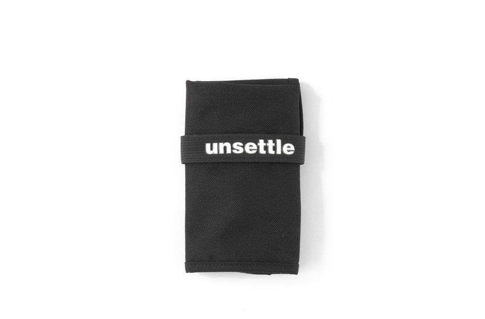 space-black-unroll-toolroll