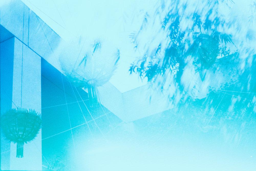 unsettle-co-lifestyle-blog-snapshots-interview-photographer-asato-Iida-blue-exposure