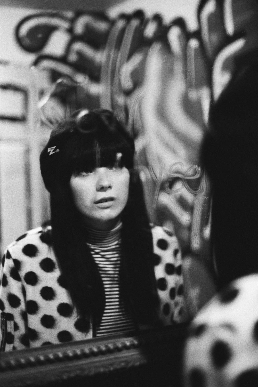 unsettle-co-lifestyle-blog-snapshots-interview-photographer-asato-Iida-black-white-mirror