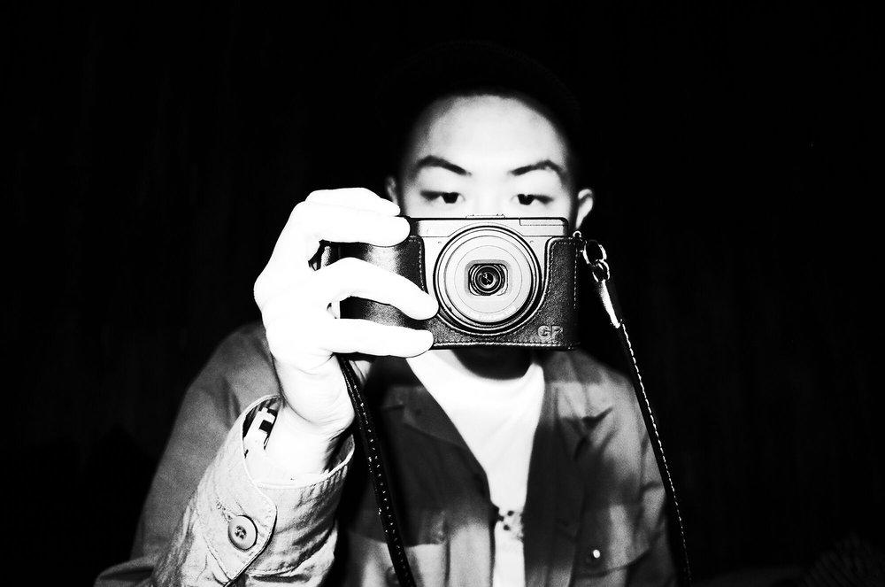 unsettle-co-lifestyle-blog-snapshots-interview-photographer-asato-Iida-self-portrait