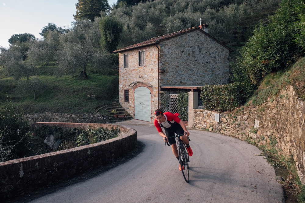 unsettle-co-lifestyle-blog-cyclist-interview-Keith-Morrison-riding-downhill