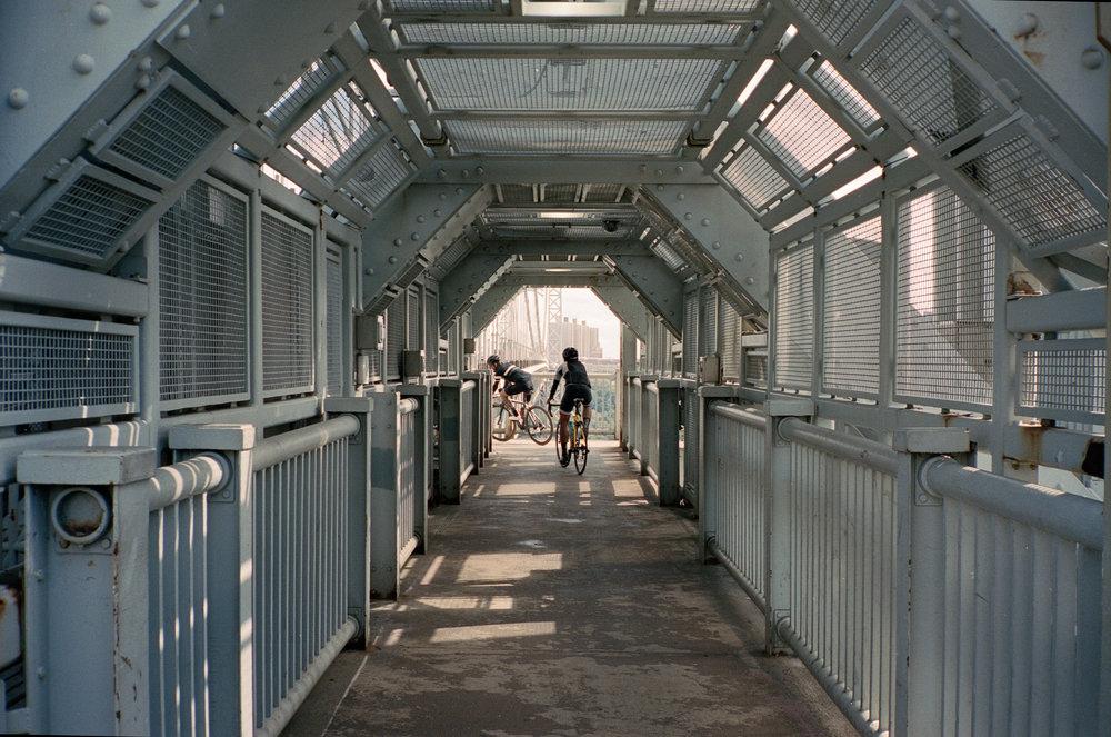 unsettle-co-lifestyle-blog-cyclist-interview-Keith-Morrison-bridge