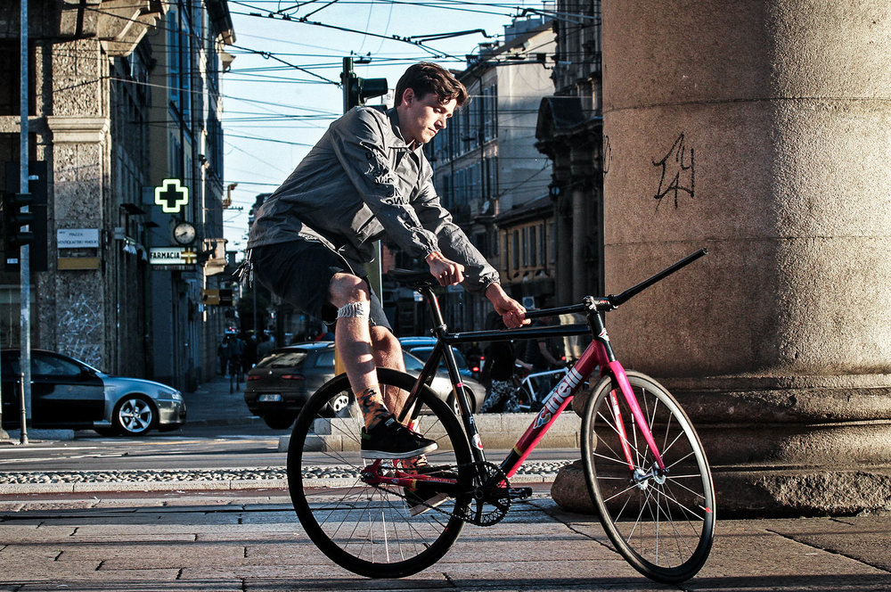 unsettle-co-lifestyle-blog-cyclist-interview-videographer-tito-capovilla-fixed-gear-trick