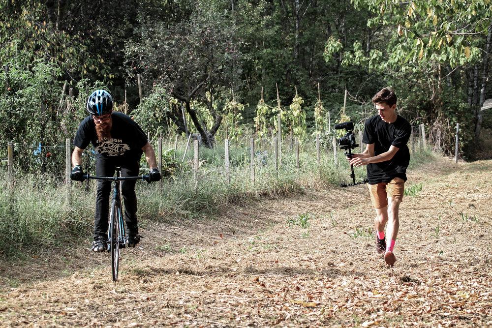unsettle-co-lifestyle-blog-cyclist-interview-videographer-tito-capovilla-filming