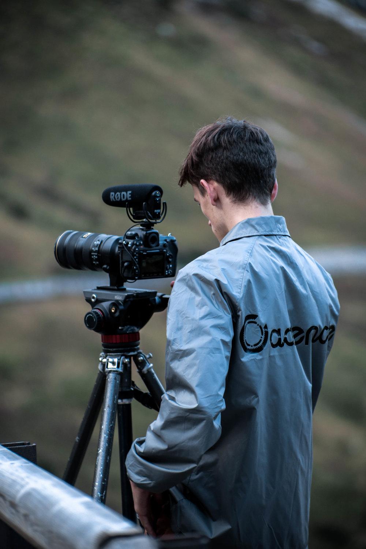 unsettle-co-lifestyle-blog-cyclist-interview-videographer-tito-capovilla-filming-1