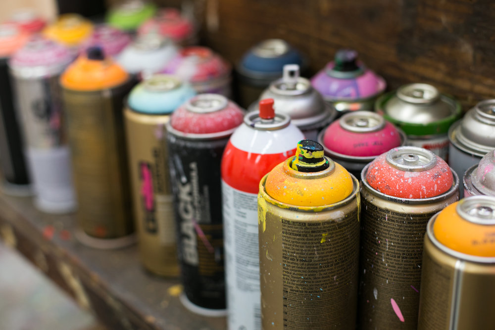 unsettle-co-lifestyle-blog-artist-interview-Alex-Brewer-HENSE-spray-paint-cans
