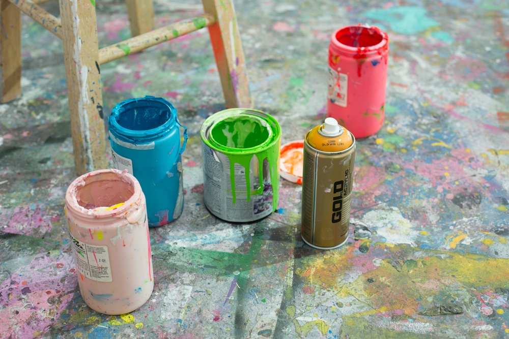 unsettle-co-lifestyle-blog-artist-interview-Alex-Brewer-HENSE-paint-cans