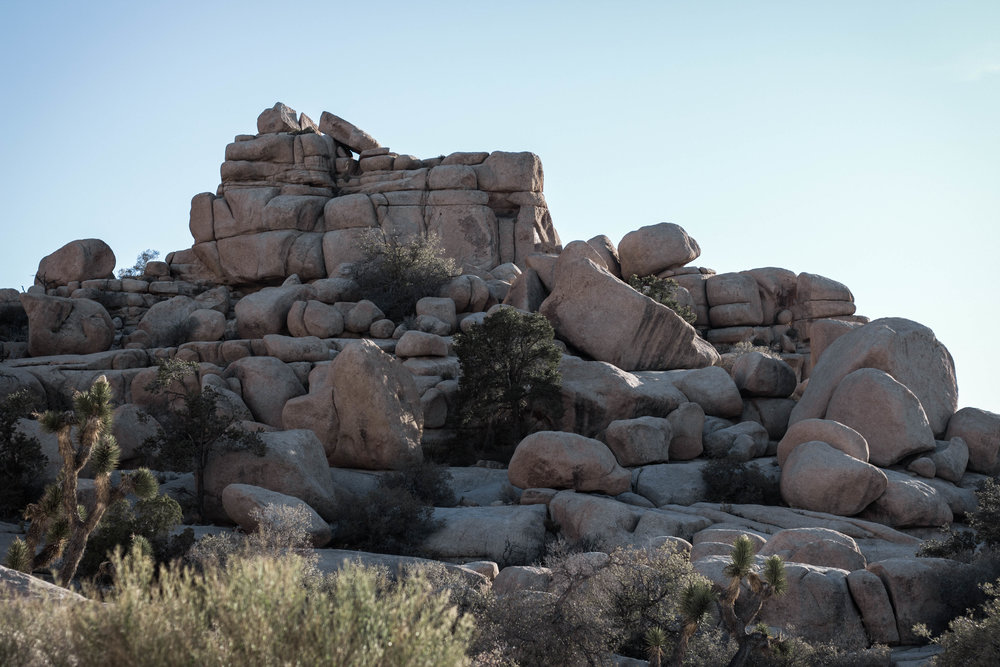 unsettle-co-lifestyle-blog-spaces-joshua-tree-national-park-rock-formation