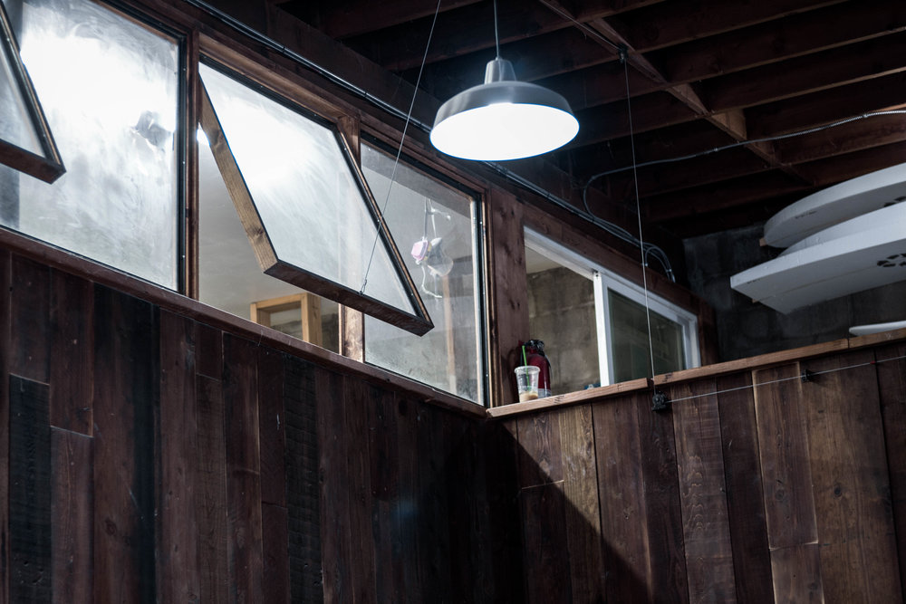 unsettle-lifestyle-blog-spaces-surf-shop-shaper-studios-san-diego-open-windows