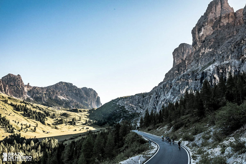 unsettle-lifestyle-cycling-blog-cyclist-of-the-week-cyclist-toni-de-la-torres-raw-cycling-mag-mountain-road