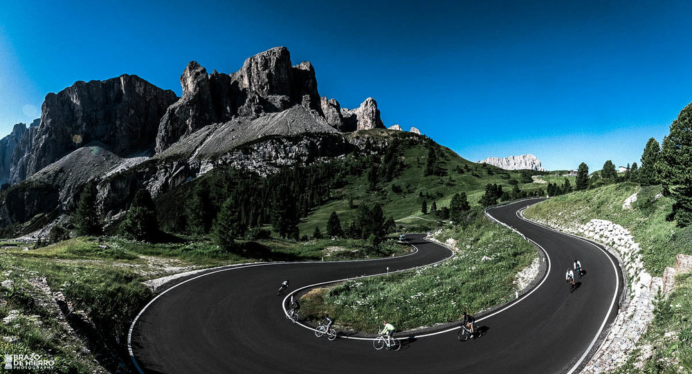unsettle-lifestyle-cycling-blog-cyclist-of-the-week-cyclist-toni-de-la-torres-raw-cycling-mag-mountain-road-bend