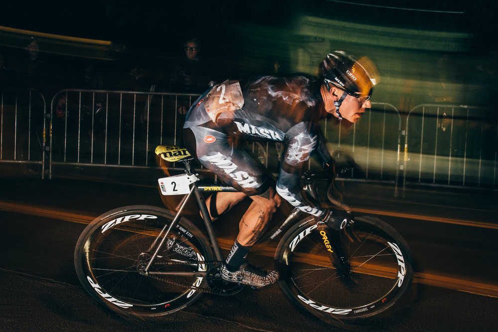 chas christiansen racing through the mission crit fixed gear race