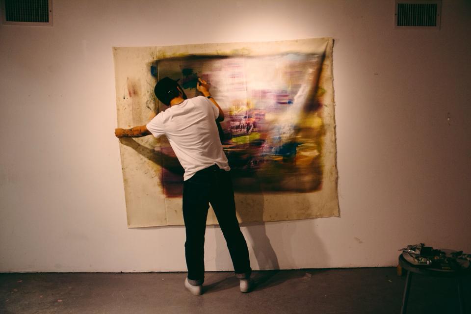 jaybe-lee-hanging-up-artwork